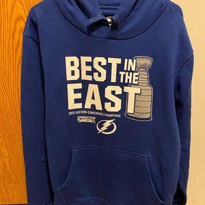 Tampa Bay Lightning hooded sweatshirt XL men NWOT
